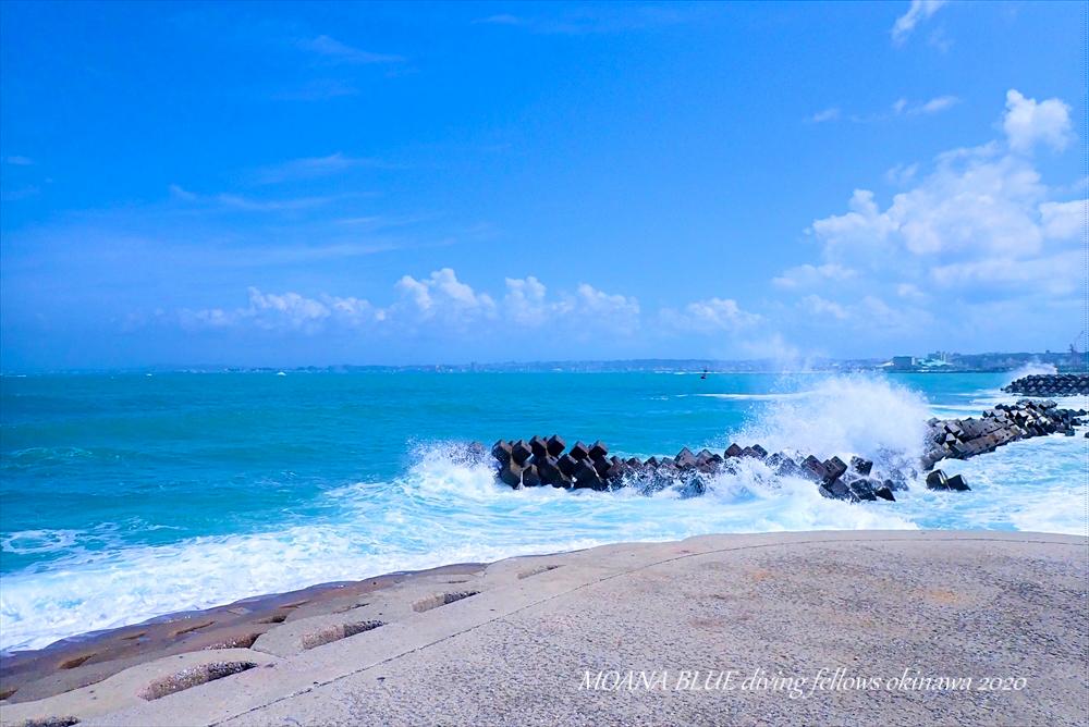 沖縄牧港ビーチ